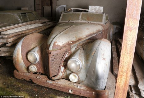 23C3FA7300000578-2862095-A_Talbot_Lago_T26_Cabriolet_owned_by_Egyptian_King_Farouk_is_als-a-122_1417783104582
